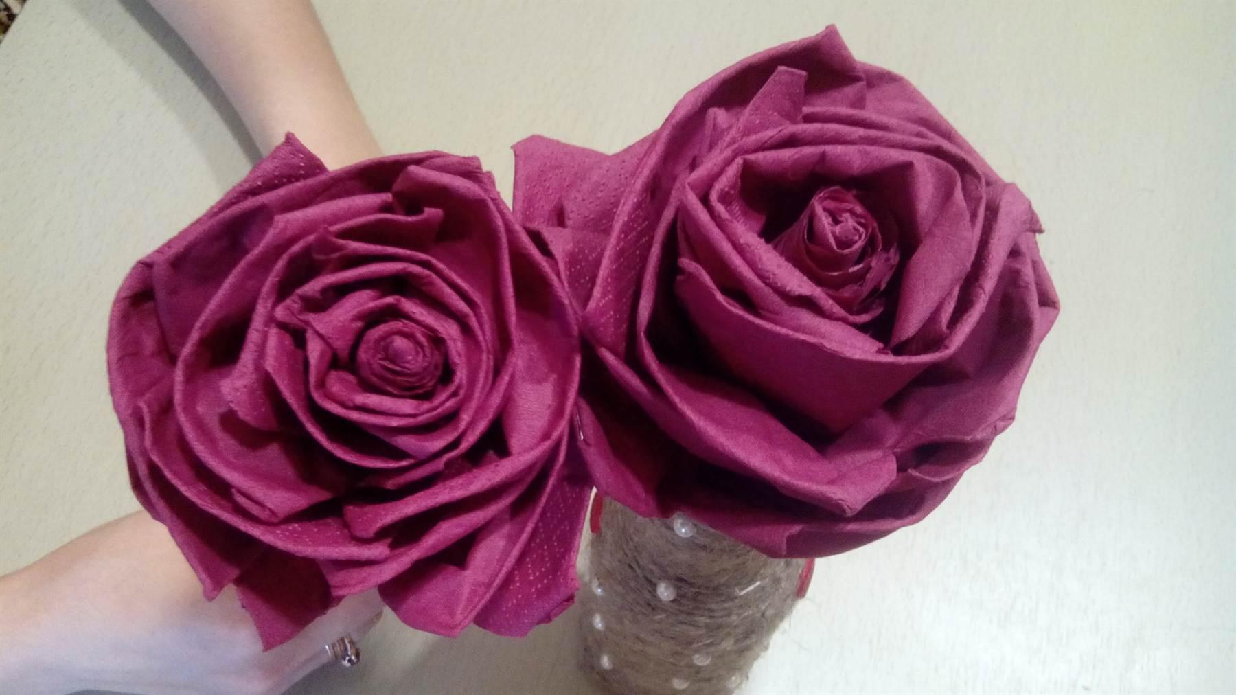 Лилии цветы из салфеток своими руками