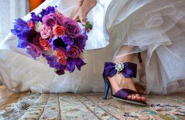 Отдать свадебный букет подруге, красавица прими букет душистых роз